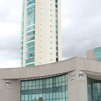 Torre Centro Médico Puerta de Hierro