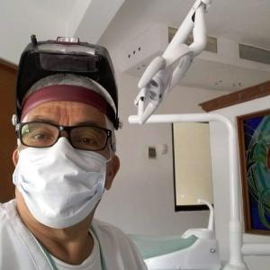 Dr. Fernando Garza Salazar - Dentista