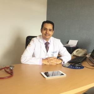 Dr. Jorge Acuña Valerio - Cardiólogo, Internista