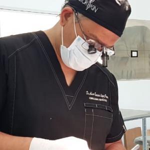 Dr. Abner Saucedo López Olivera  - Especialista en Cirugía Estética y Longevidad