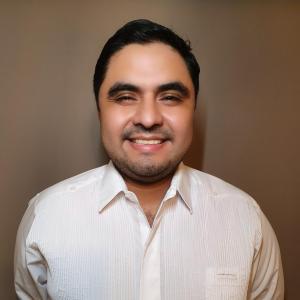 Dr. Gustavo Sarmiento Blanco - Traumatólogo y Ortopedista