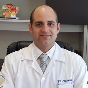Dr. Ivo Humberto Pineda Somodevilla - Urólogo