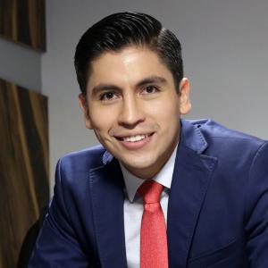 Dr. José Luis Flores Valdivia - Especialista en Cirugía Plástica