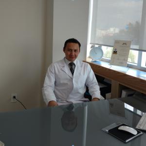 Dr. Javier Tovar Suárez - Endocrinólogo