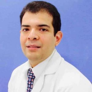Dr. José Luis Hernández González - Traumatólogo y Ortopedista