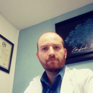 Dr. Hugo Fernández Pérez - Ginecólogo Obstetra