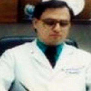 Dr. César Lozano Peña - Endocrinólogo