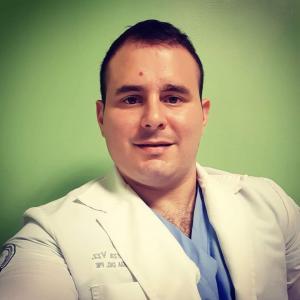Dr. Eduardo Garza Vazquez - Podiatra