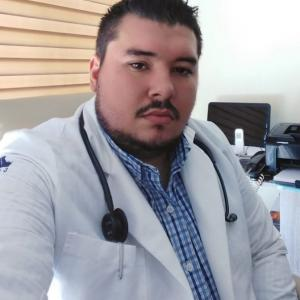 Dr. Miguel Ángel Martínez Mora - Médico General / Familiar