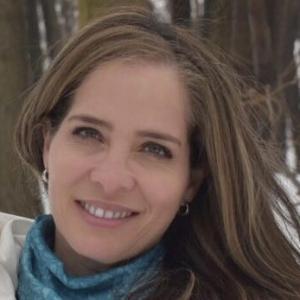 Dra. Loania Restivo Milanes - Oftalmólogo