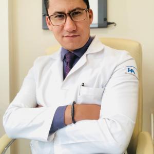 Dr. Mario Alberto Uribe Landa - Traumatólogo y Ortopedista