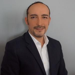 Dr. Adrián Villicaña Aguilar - Especialista en Cirugía General