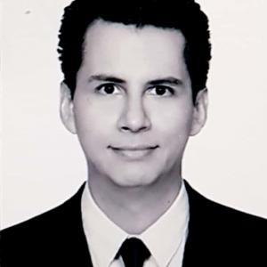 Dr. Isaí Medina Piñón - Especialista en Enfermedades Infecciosas, Internista