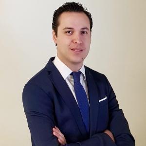 Dr. Irvin Hans Garduño Rubi - Otorrinolaringólogo