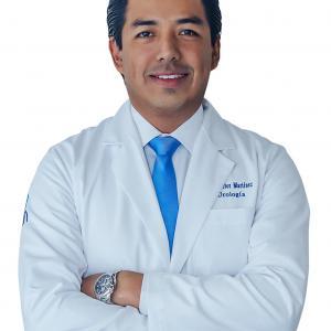 Dr. Héctor Iván Martínez López - Urólogo