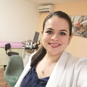 Dra. Azucena Delgado Cuellar - Ginecólogo, Ginecólogo Obstetra
