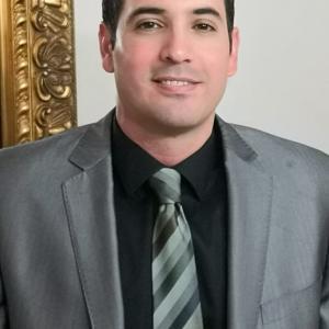 Dr. Jose Ronaldo Ruiz Fuerte - Cardiólogo